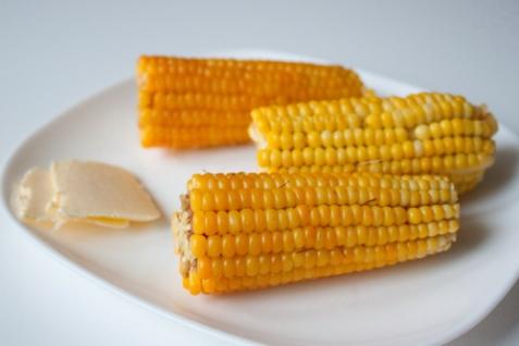 Кукуруза с сырным маслом