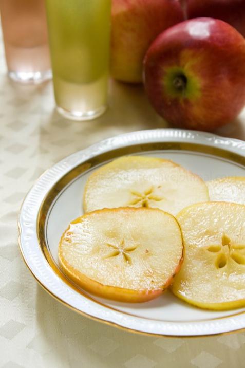 Рецепт - Яблоки в сиропе