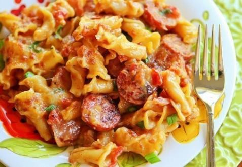 Рецепт - Паста с пряными колбасками