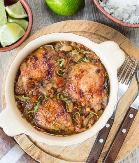 Куриные бедра, запеченные в пряном соусе
