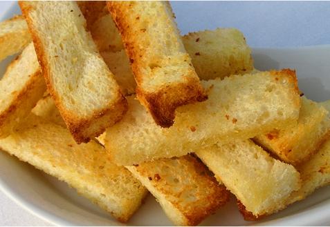 Рецепт - Пшеничные чесночные гренки