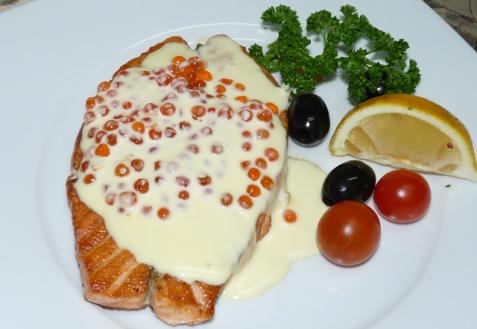 Рецепт - Форель с икорным соусом