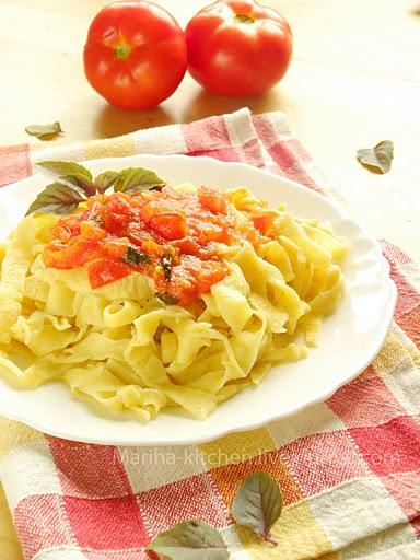 Рецепт - Домашняя паста с томатным соусом