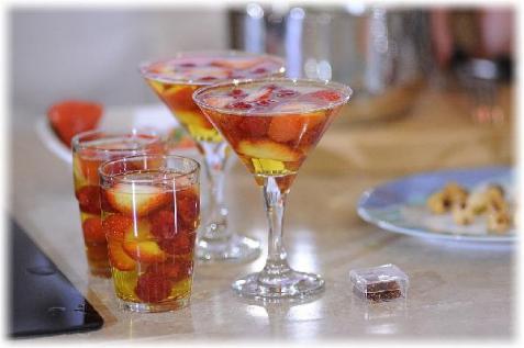Рецепт – Желе из шампанского с ягодами