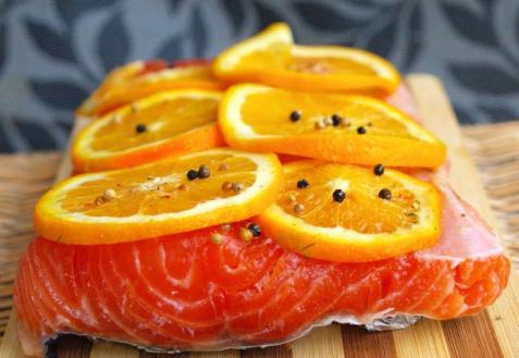 Семга, маринованная с апельсинами