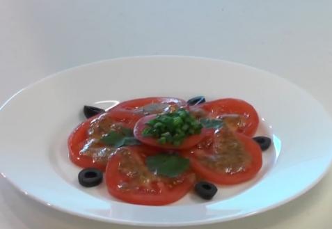 Салат из помидоров с горчицей
