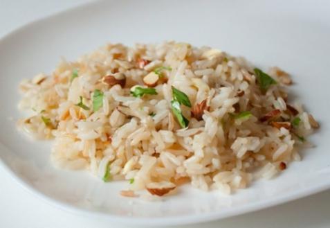 Рисовый пилав с миндалем