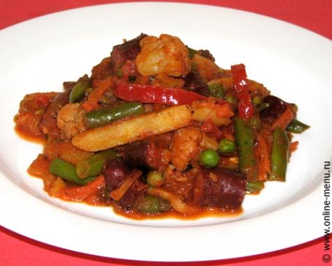 Овощное рагу с охотничьими колбасками - рецепт