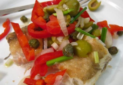 Жареная рыба с салатной заправкой