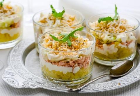 Рецепт на Новый год: Порционный салат с тунцом