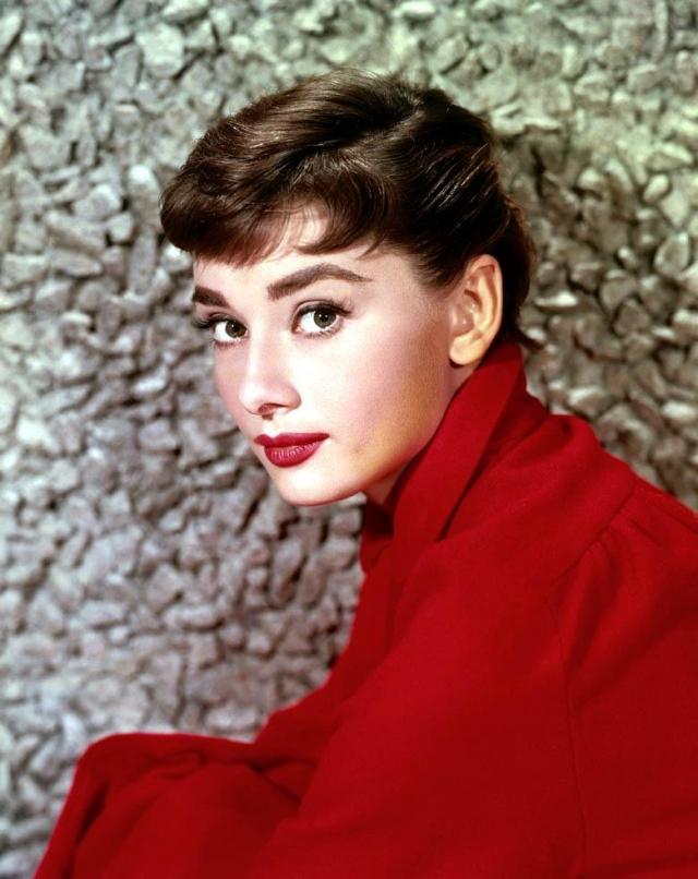 """Результат пошуку зображень за запитом """"Самые красивые актрисы старого Голливуда: Вивьен Ли, Одри Хепберн и другие - фото"""""""