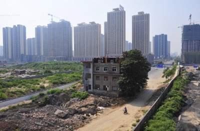 Дома-гвозди: необычное явление в Китае. Фото