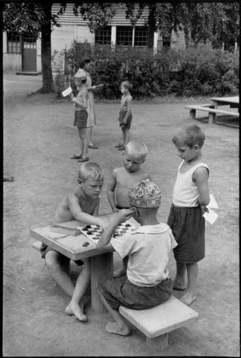 В 1970-е шашки приобретают огромную популярность в стране.