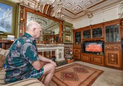 Англичанин превратил обычную квартиру в настоящий дворец. Фото