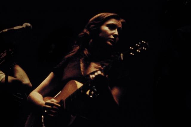 Фото: Из личных архивов музыкальных фанатов: что творится на концертах звезд (Фото)