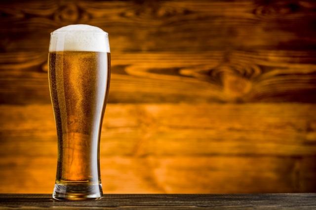 Прежде, чем пить пиво, визуально оцени чистоту бокала