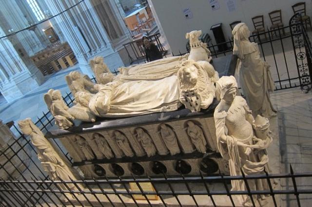 Гробница отца Анны, герцога бретонского Франциска II и его второй жены Маргариты де Фуа