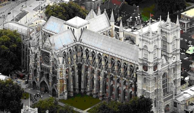 Вестминстерское аббатство, где проходят коронации
