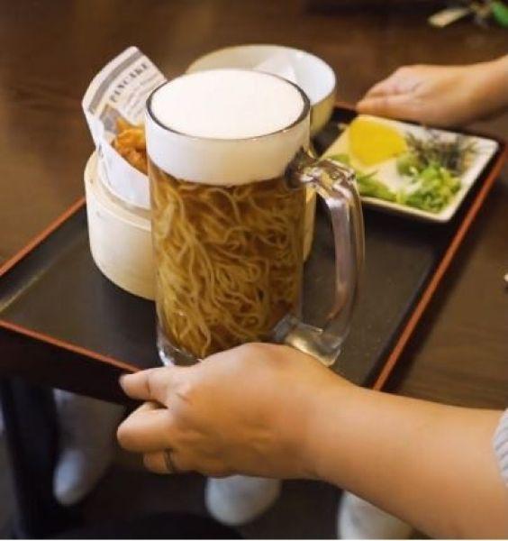 Официант, почему в моем пиве плавает лапша?