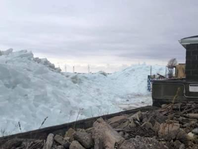 В США озеро превратилось в снежную глыбу. Фото