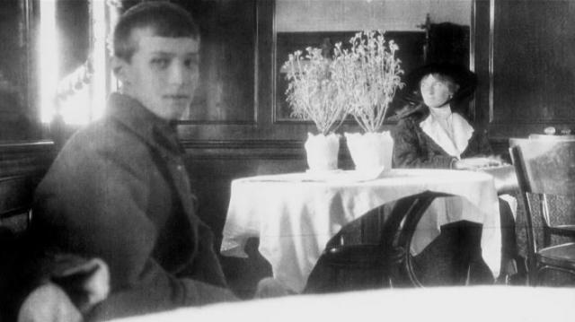 Последняя известная фотография Ольги и царевича Алексея. Май 1918 года