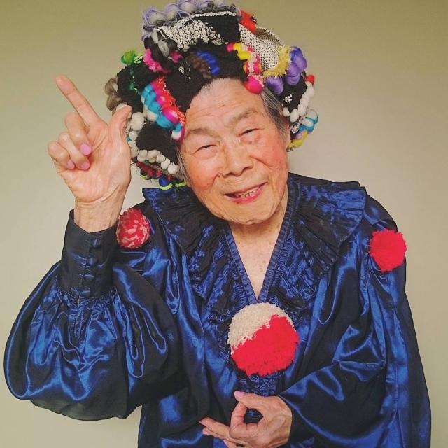"""Результат пошуку зображень за запитом """"93 - летняя женщина стала моделью для одежды,которую изготавливает её внучка - фото"""""""