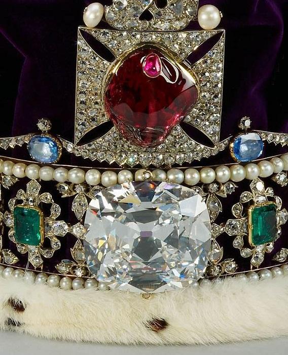 Бриллиант Куллинан II и Рубин Черного Принца