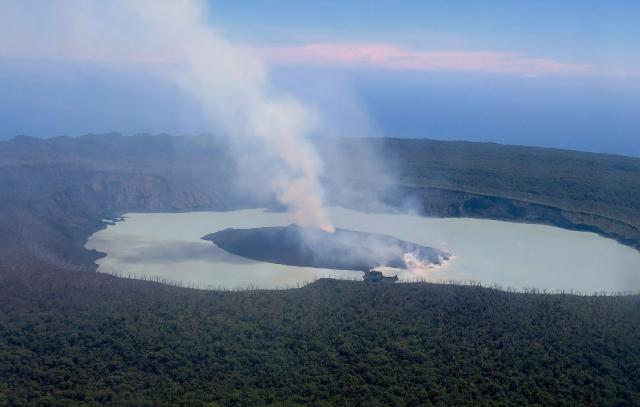 Вулкан Манаро Вуи на острове Амбэ в южной части Тихого океана