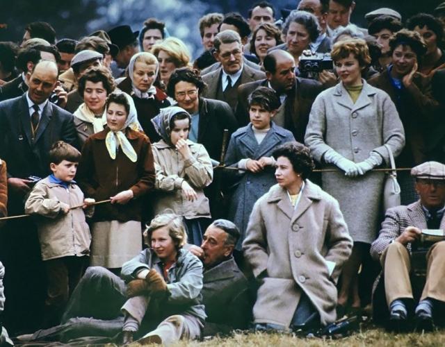 Фото: Душевно: редкие снимки из жизни британской королевской семьи (Фото)