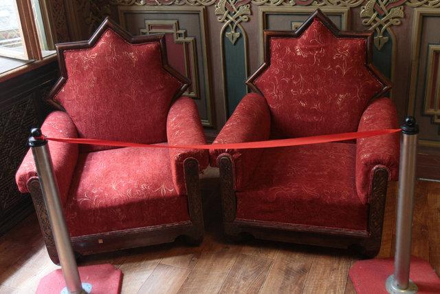 Мавританский зал. Выполнен в восточном стиле с родной мебелью