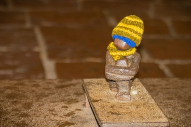 Самые маленькие памятники мира (11 фото)