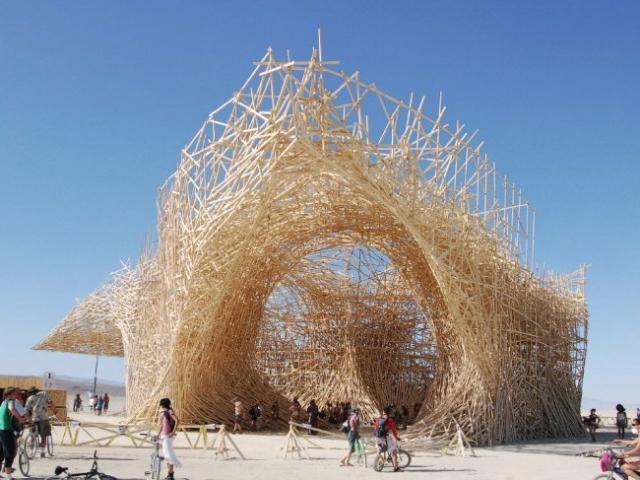Уникальные здания из дерева (11 фото)