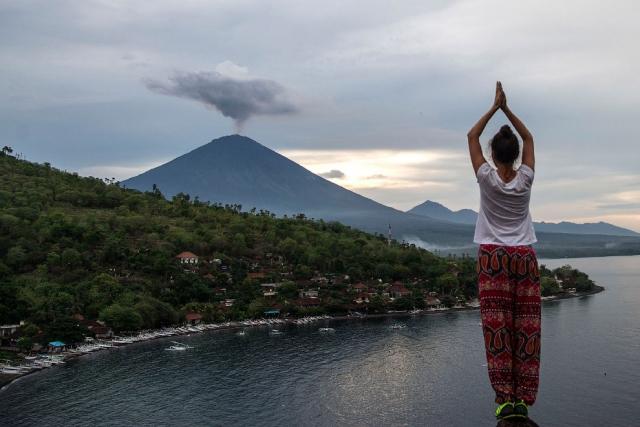 Извержение вулкана Агунг на острове Бали