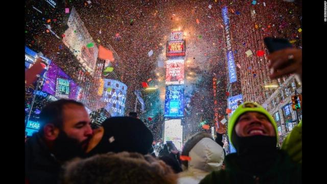 Новогоднее шоу в Нью-Йорке