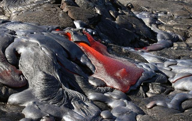 Большая часть вулкана Килауэа входит в состав национального парка «Хавайи-Волкейнос».