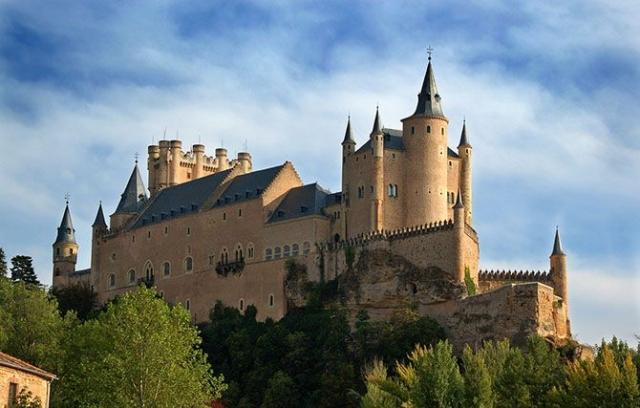 Фото: Самые красивые замки и крепости Испании (Фото)