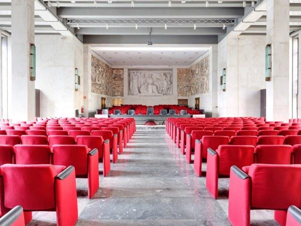Итальянские залы суда, где не так страшно слушать приговор (10 фото)