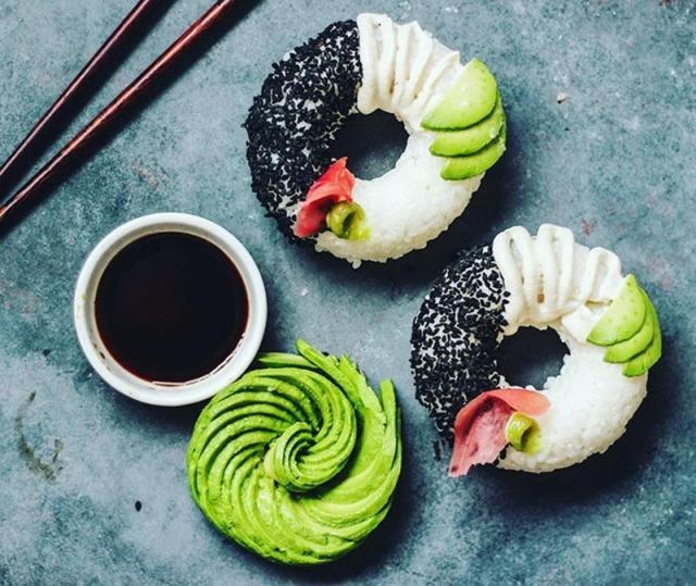 Новый японский тренд - необычные суши