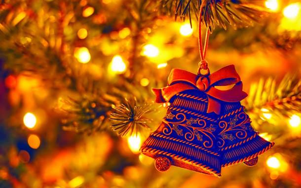 """Новогодняя картинка """"Колокольчики на елке"""""""