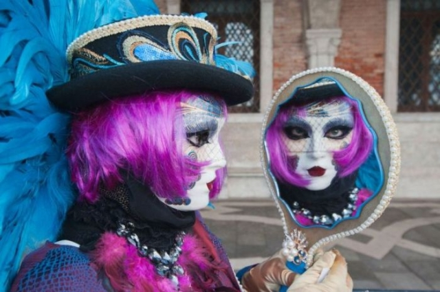 Ещё одна традиционная маска Венецианского карнавала.