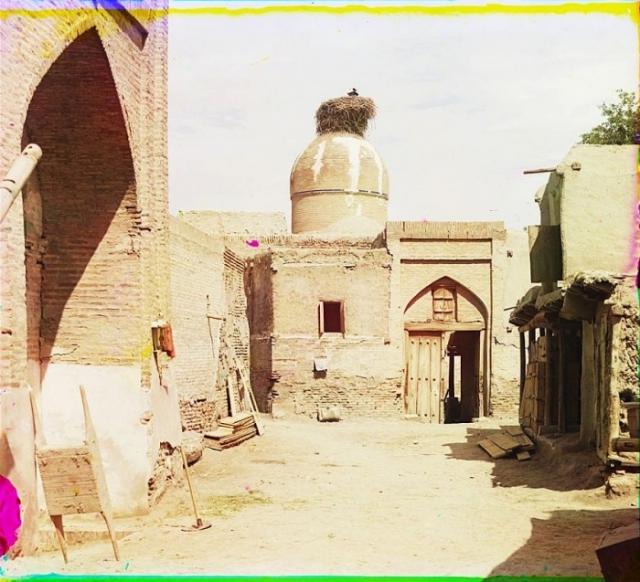 На территории Старой Бухары, буквально каждое здание можно назвать памятником архитектуры.