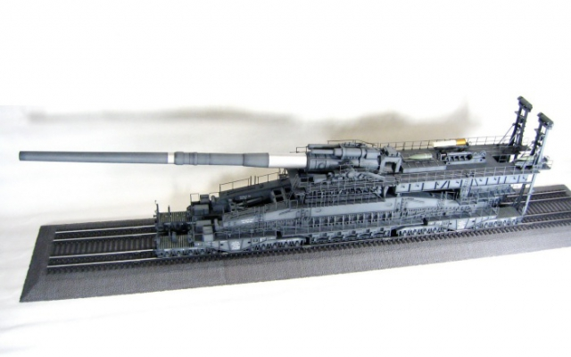 Сборная модель железнодорожной артсистемы «Дора».