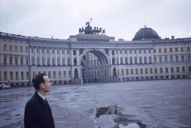 Здание Главного штаба на Дворцовой площади. СССР, Ленинград, 1959 год.