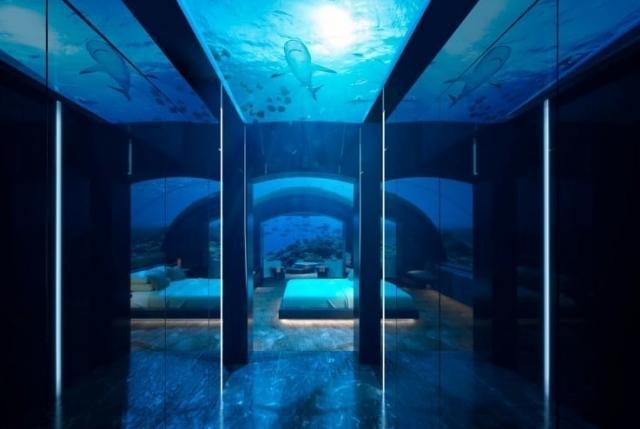 С рыбами и акулами: на Мальдивах появился необычный отель
