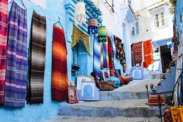 Бойкая торговля идет здесь круглый год. / Фото: www.divergenttravelers.com