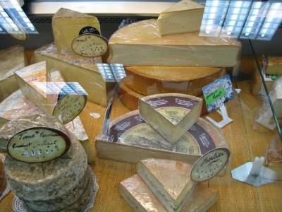 Как устроены сырные фермы в Альпах. Фото