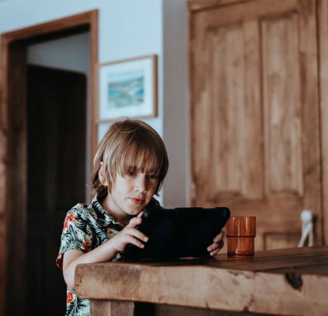 Почему аудиокниги полезны для развития детей
