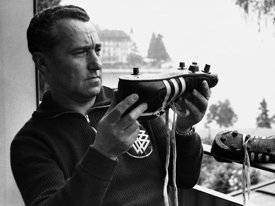 Интересная история создания и конкуренции Adidas и Puma.