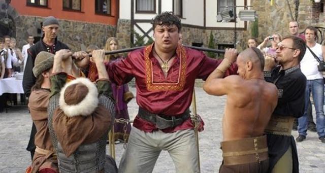 Кадр из фильма с участием Дмитрия Халаджи.