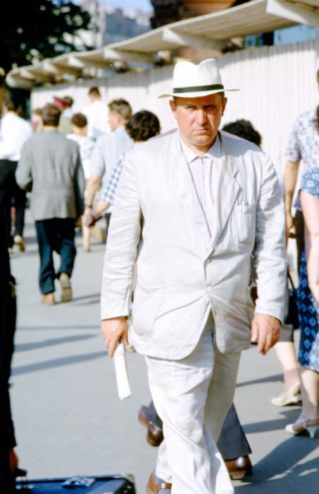 Модный советский наряд.